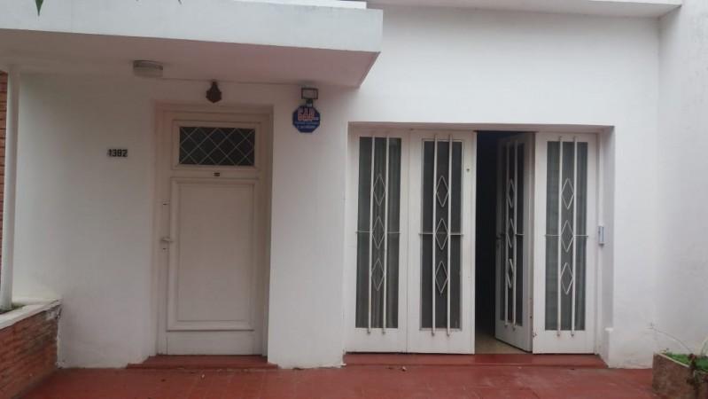 Casa en venta Barrio Los Platanos 3 dor y depto impecable APTA CREDITO