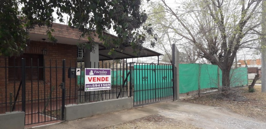 Casa en venta en Barrio Estacion Flores 3 dor ocupa toda la manzana zona Manantiales Circunvalación