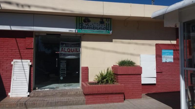 Alquilo Local 25 m2 sobre lagunilla zona comercial ruta 20