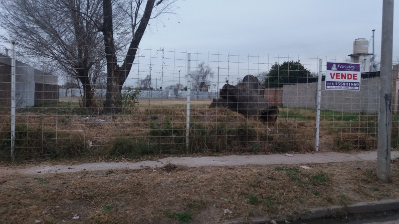 Terreno en venta en Villa Aspacia 345m2 a metros de Av. Pettirossi zona ruta 20