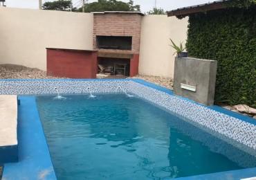 Casa en venta Barrio Residencial Oeste 3 dor piscina Categoria