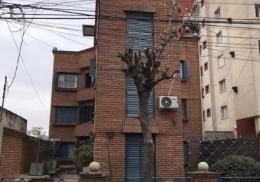 Departamento en venta en Alberdi 1dor sobre Dean Funes 1800 fte plaza