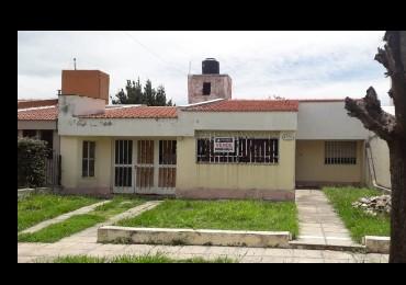 Casa en venta Barrio Rosedal 3 dor  2 bños  zona Ruta 20 Oportunidad