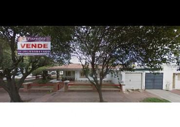 Casa en venta en Rosedal 4d  Esquina a 100 metros Ruta 20 y Depto 2d INVERSION